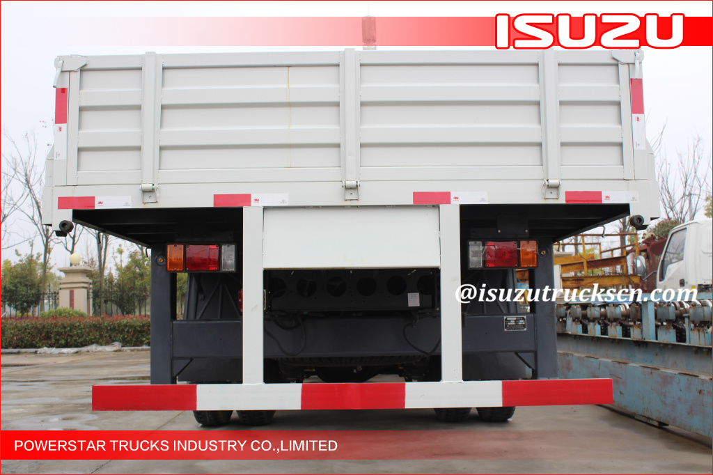 Isuzu LorryTruck Mounted Crane Safety Hydraulic With 90 L Oil Tank