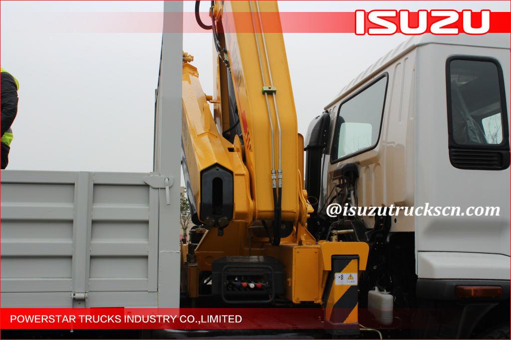 City road Isuzu 2T Heavy Things Articulated Boom Crane For City Construction