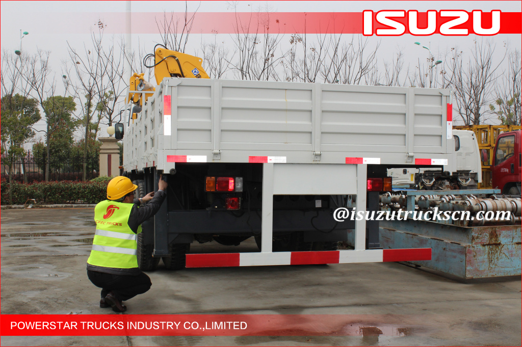 ISUZU ELF 5 ton Lifting Truck Mounted Crane