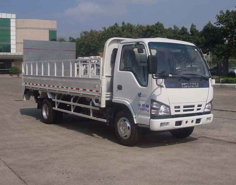 Isuzu barreled garbage truck waste transport vehicle