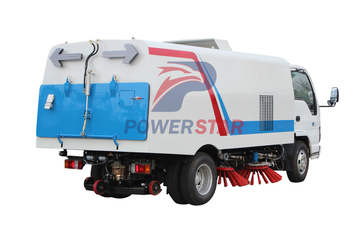 Durable Broom road sweeper Isuzu 5m3