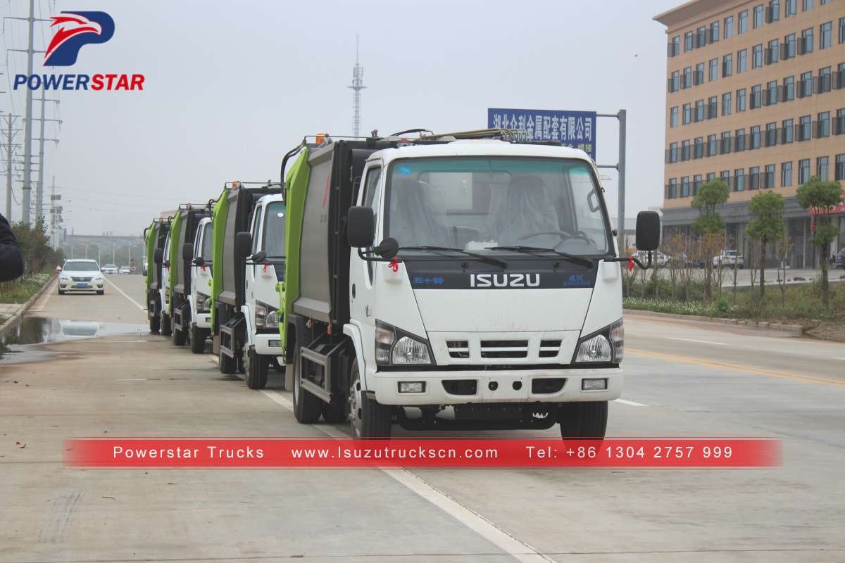 Japan 6000L Back loading garbage compression truck Isuzu for sale