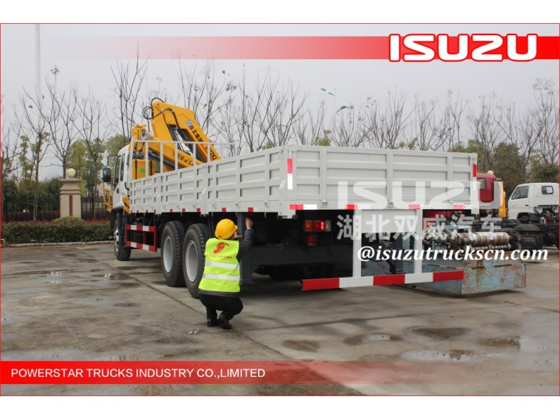 China machine small lorry with 2 ton crane for trucks